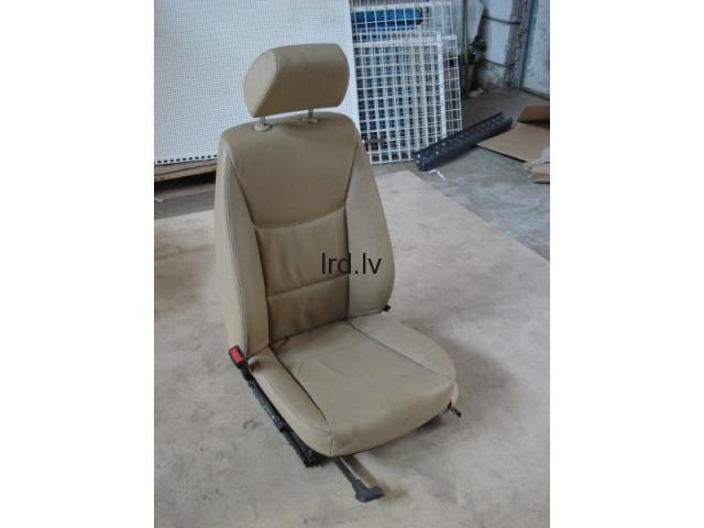 BMW e46 priekšējais vadītāja krēsls(ādas)
