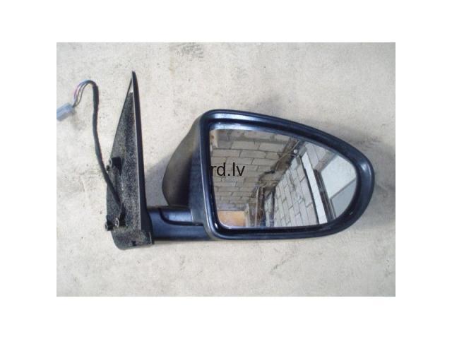 Nissan Quashqai labās puses spogulis 2011 g