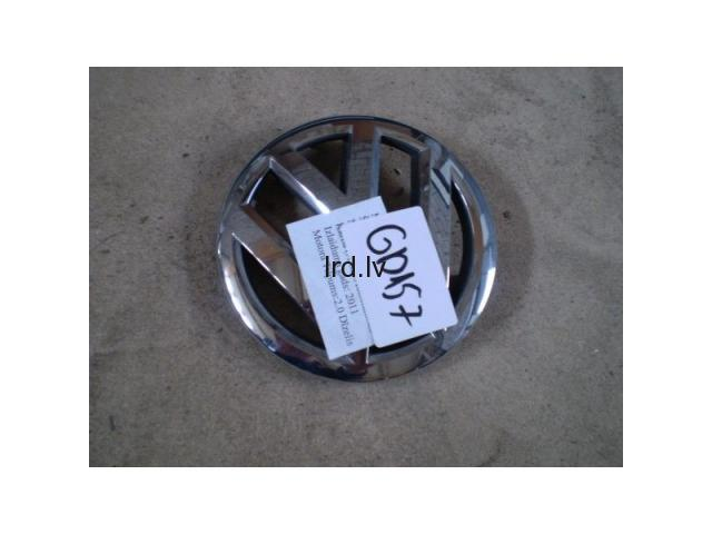 VW Passat priekšējā emblēma 2011