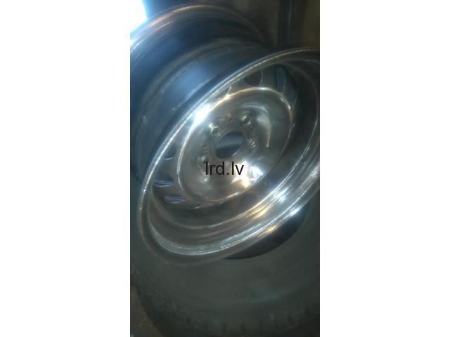 E46 wide R16 5x120 , 72.6 , ET 34. R16 . 9 / 9.5 J