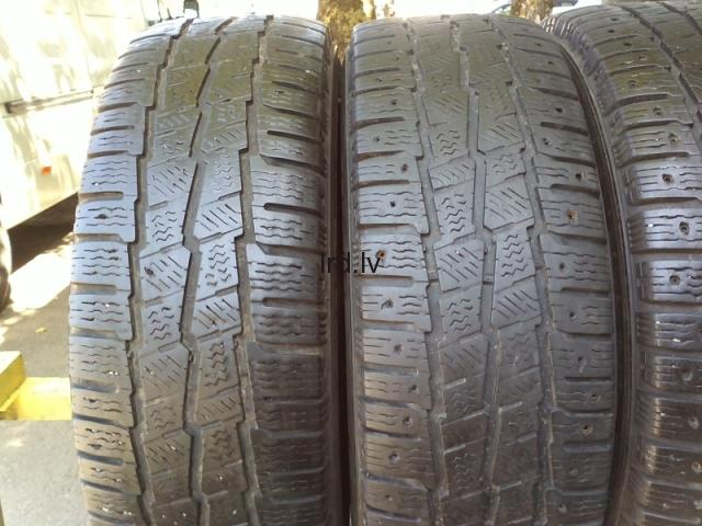 Michelin Agilis X-Ice North + Alpin 109R 215/65R16c