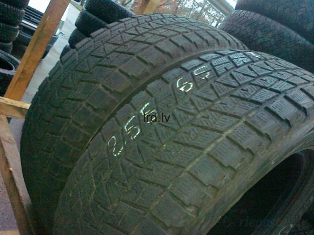 Bridgestone Blizzak DM-V1 110R 255/65R17