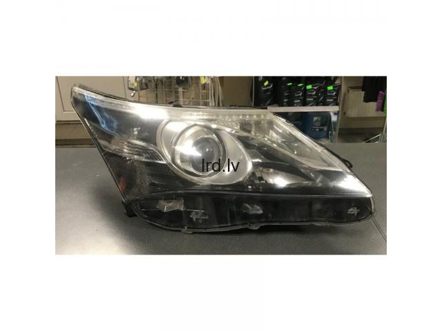 Toyota AVENSIS 12- T27 LIFT priekšējais lukturis R lietots 10000-17685 RH