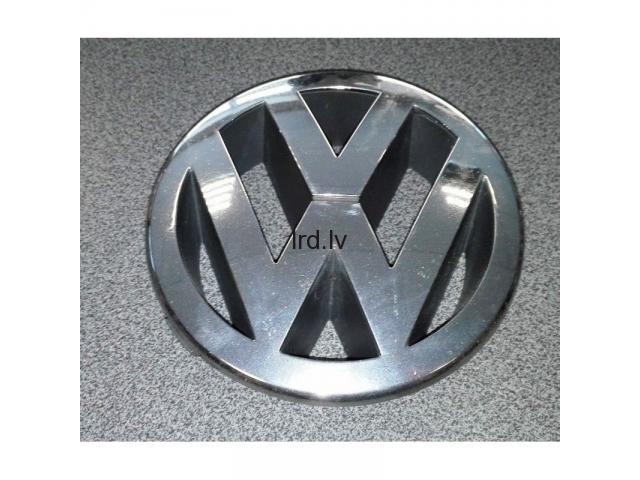 VW Radiatora reste emblēma 5M0853601, lietota