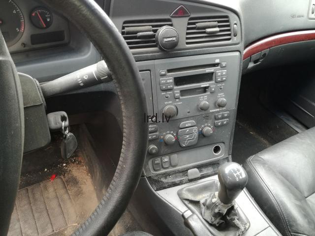 Volvo V70 2,5Tdi  2002g                              5.0 Euro €