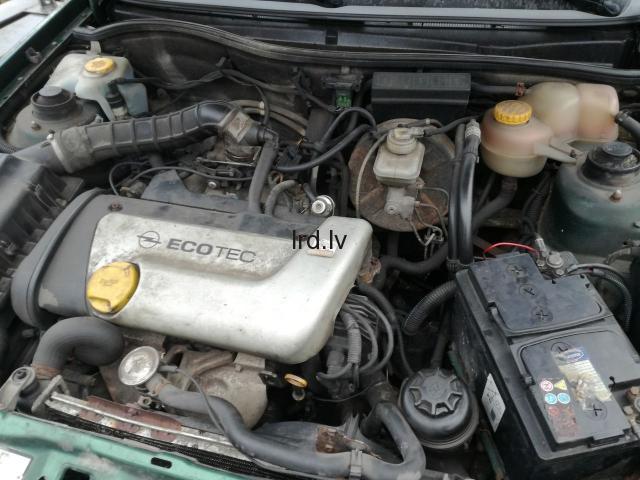 Opel Astra F 1.6 1.6V 97g                              5.0 Euro €