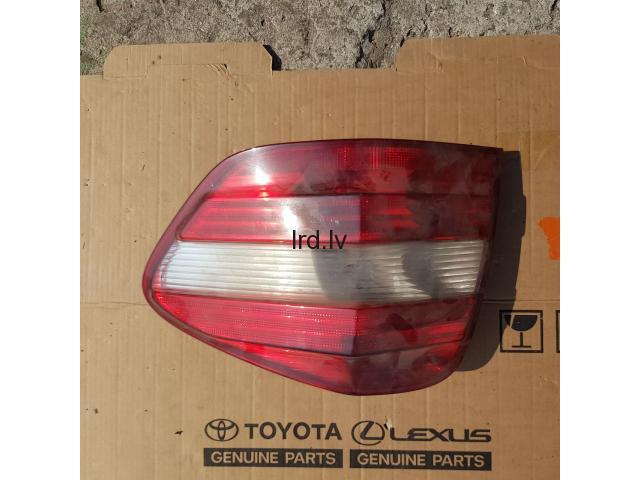 Lukturi uz Mercedes Vito/220 S class/ ML                              Sazinieties ar pārdevēju