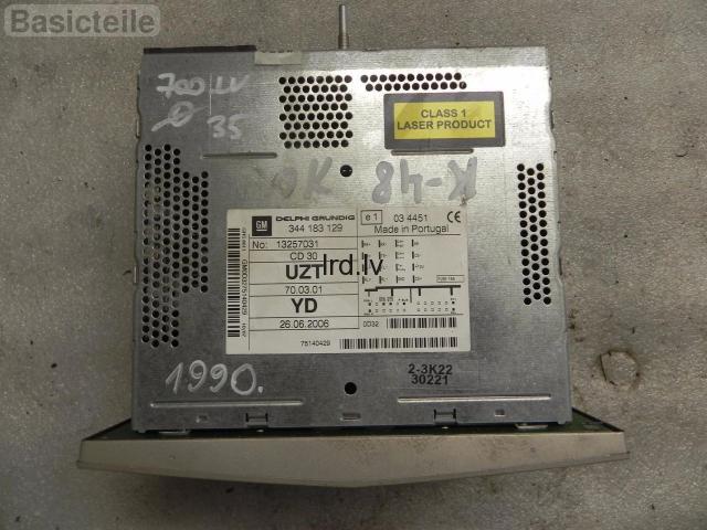 Opel Corsa D CD Radio CD30 13257031 UZT Delphi Dzeltenīgs RESETOTS                              35.0 Euro €