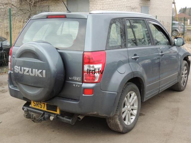 Lietotas auto rezerves daļas no Suzuki Grand Vitara III  2.0i